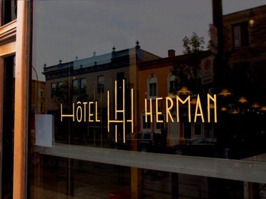Interior del HOTEL HERMAN