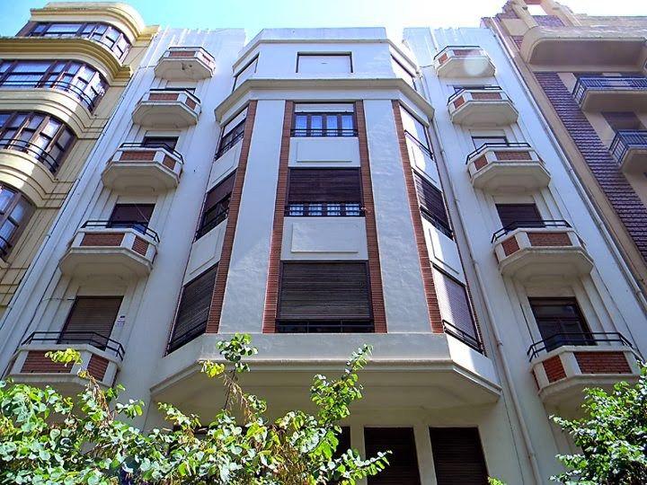 Edificio arquitectura racionalista valenciana