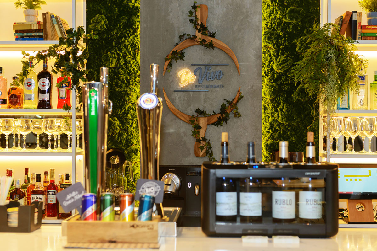 detalle de la barra del proyecto de interiorismo del restaurante en madrid Be Vivo