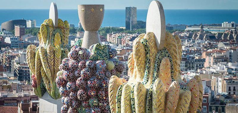 Detalles del arquitecto Gaudi en sus edificios