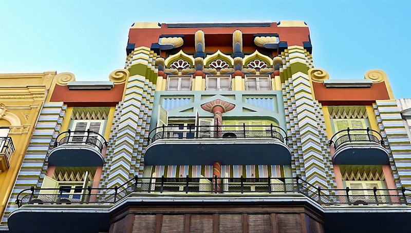 fachada colorida edificio valencia