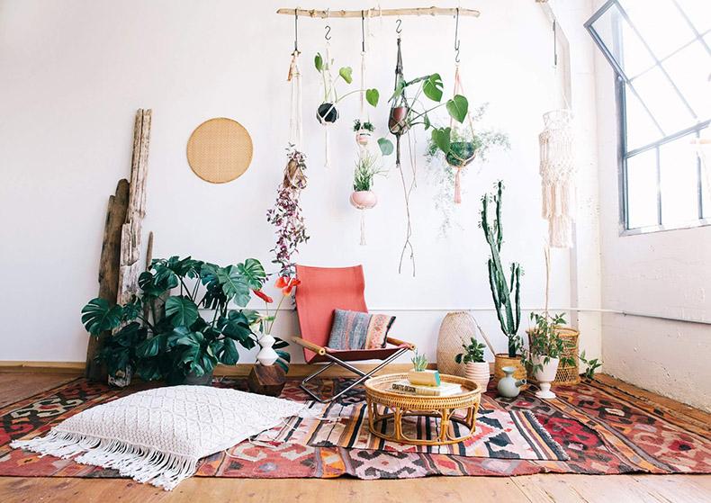 decoracion tejidos estilo boho chic con plantas