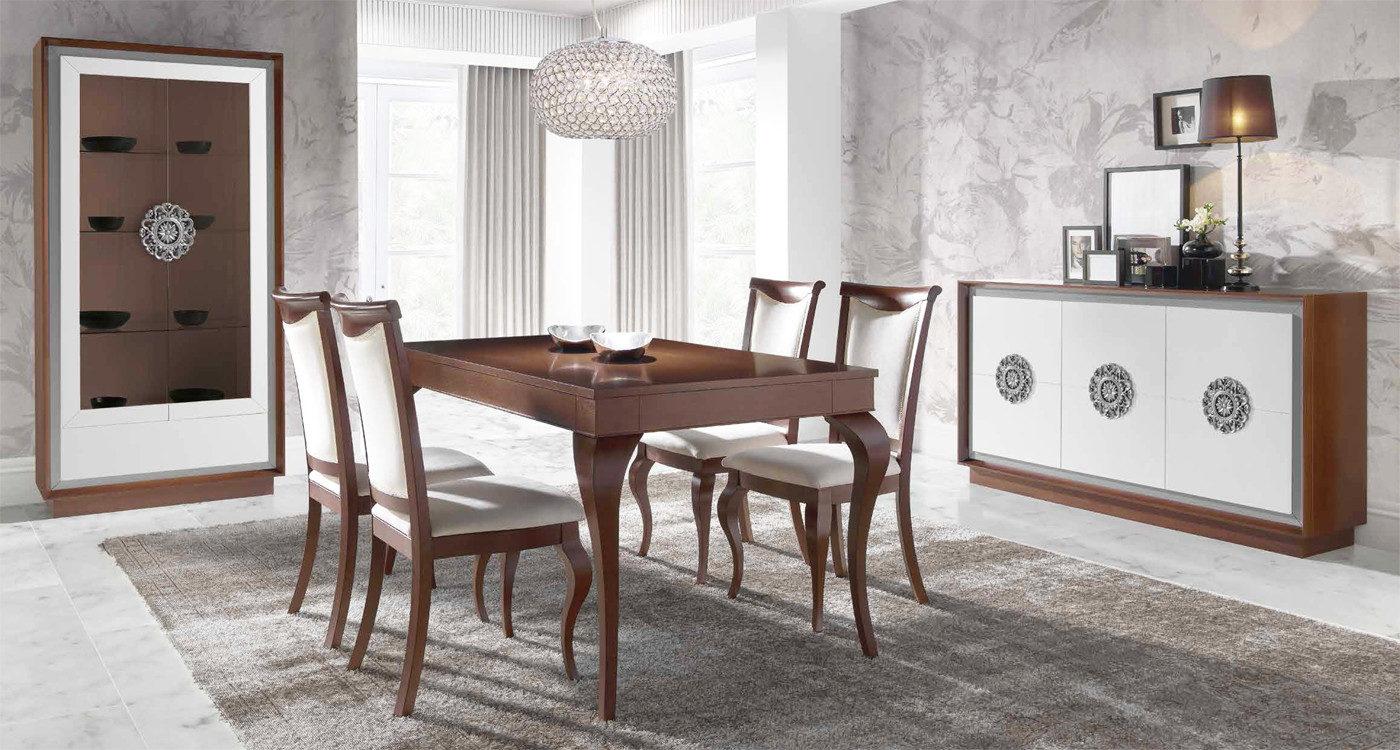 salon comedor de decoración neoclásico, mesa comedor con sillas y alfombra