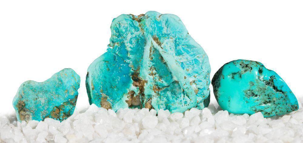 piedras blancas y azul turquesa