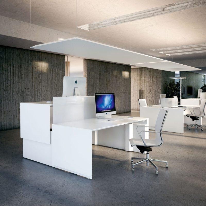 oficina moderna con ordenador Apple