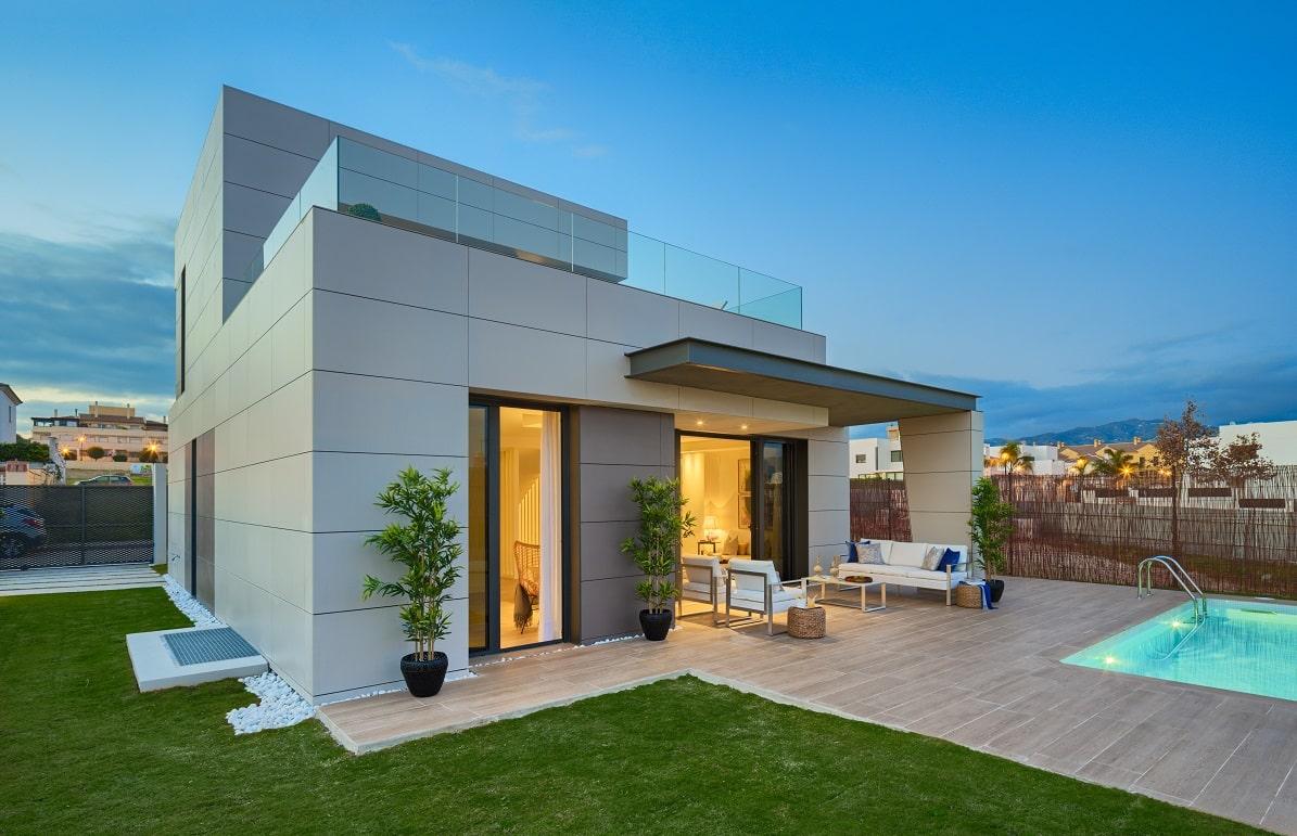 Chalet con piscina construido por estudio de arquitectura