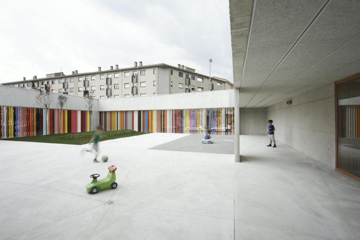 patio interior escuela infantil