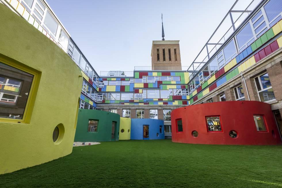 patio interior colegio infantil