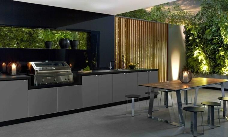 cocina exterior con mesa gris
