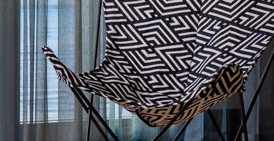 silla blanca y negra ganncedo