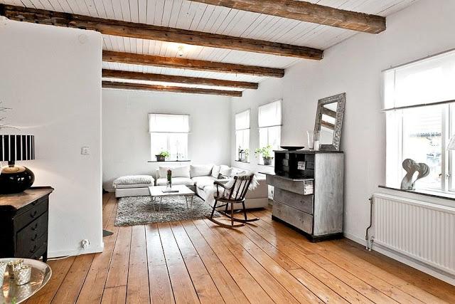 salon comedor dormitorio con vigas de madera