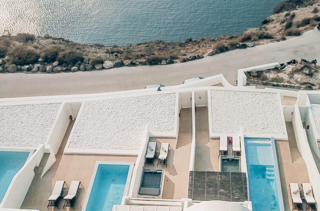 CAVO-TAGOO-SANTORINI-piscina con vistas al mar