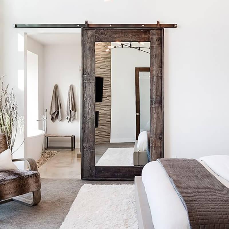 Puerta de madera cuarto de baño