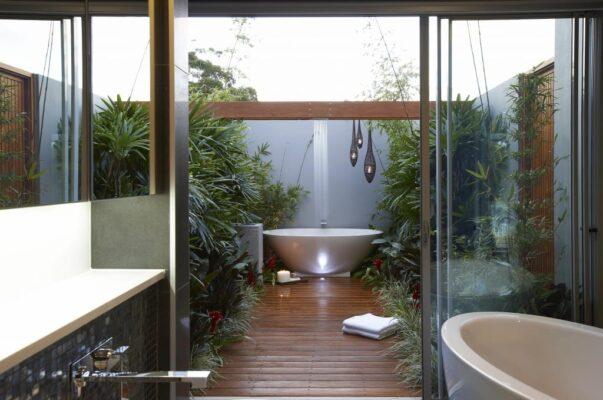 bañera en terraza exterior